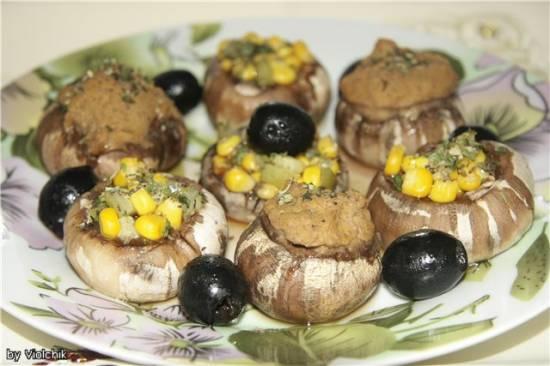 Грибная фантазия <br />(грибы фаршированные фасолевым паштетом и овощной начинкой)