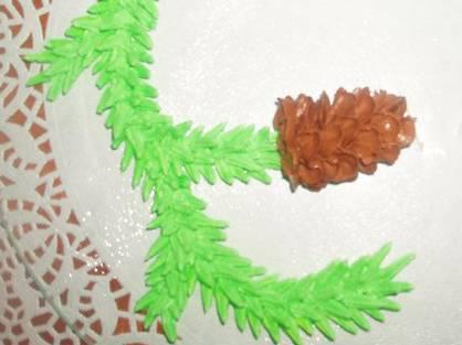 Еловые веточки с шишками из крема (мастер-класс)