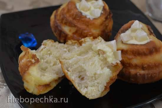 Кокосово-творожные завитые булочки